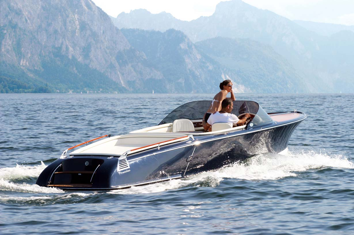 The 750 St Tropez here is Frauscher's flagship electric model.